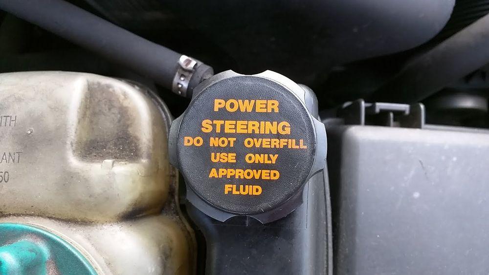 Jika tidak dijaga, masalah akan timbul di steering pump serta steering rack.