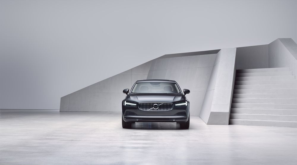2021 Volvo S90 T8 Recharge Malaysia
