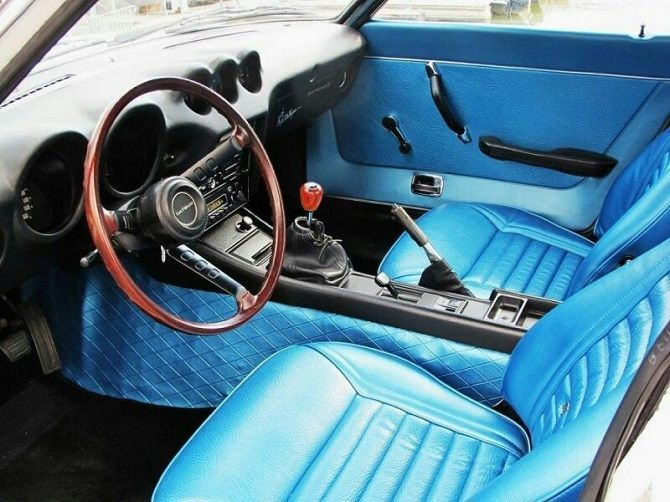 Nissan Brings Back Blue Interiors With the 400Z 240Z interior