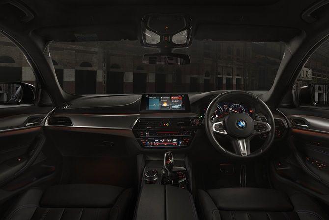BMW 530i M Sport Dark Shadow Edition Interior