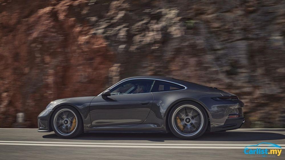 2021 Porsche (992) 911 GT3 Touring exterior