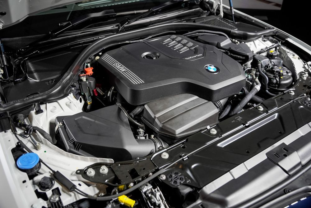 G28 BMW 330Li M Sport B48 engine