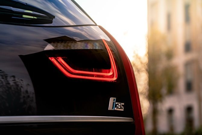 Singapore Is Actually Encouraging Electric Car Ownership BMW i3S