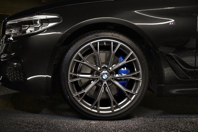 BMW 530i M Sport Dark Shadow Edition Wheel
