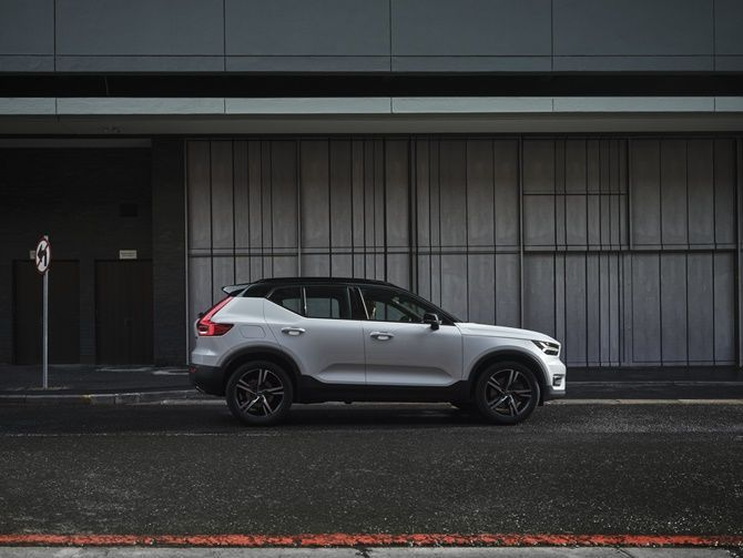 Volvo Is Probably Launching The XC40 Recharge T5 PHEV Here Soon Side Profile