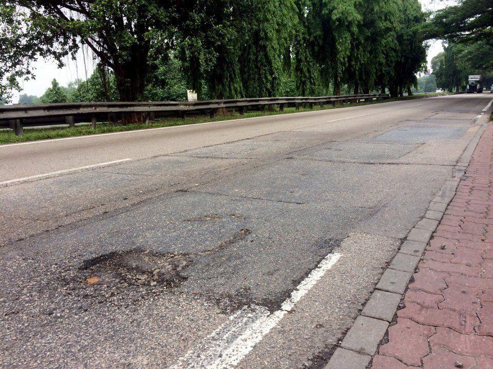 Permukaan jalan tak rata, SUV tahan lasak, Perodua Ativa 2021