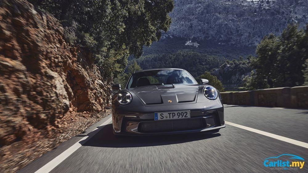 2021 Porsche (992) 911 GT3 Touring front
