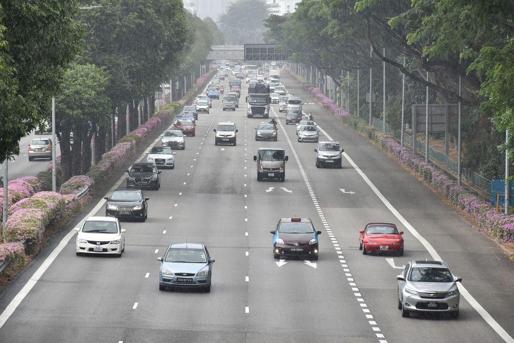 Kereta,lebuhraya di singapura,Phua Chu kang, Gurmit Singh, denda