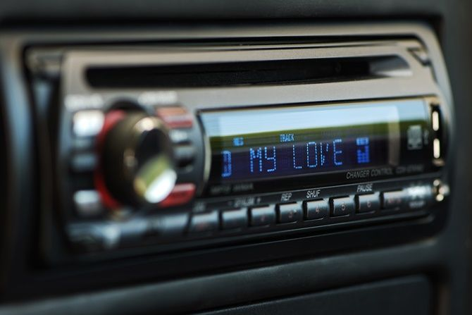 The Evolution Of Head Units And Navigation In Cars Classic Single Din head Unit