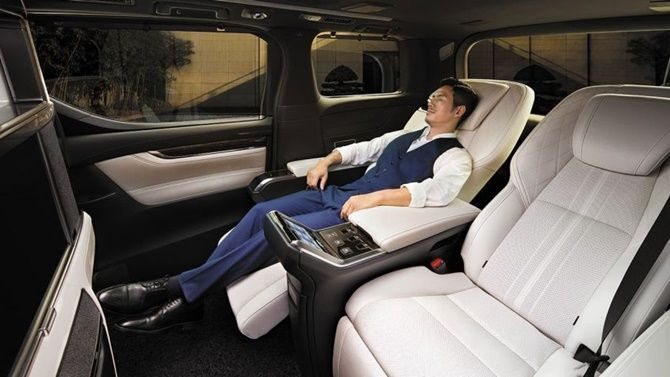 Lexus LM350 Open For Booking Ultimate Luxury Four Seater Bed Seats