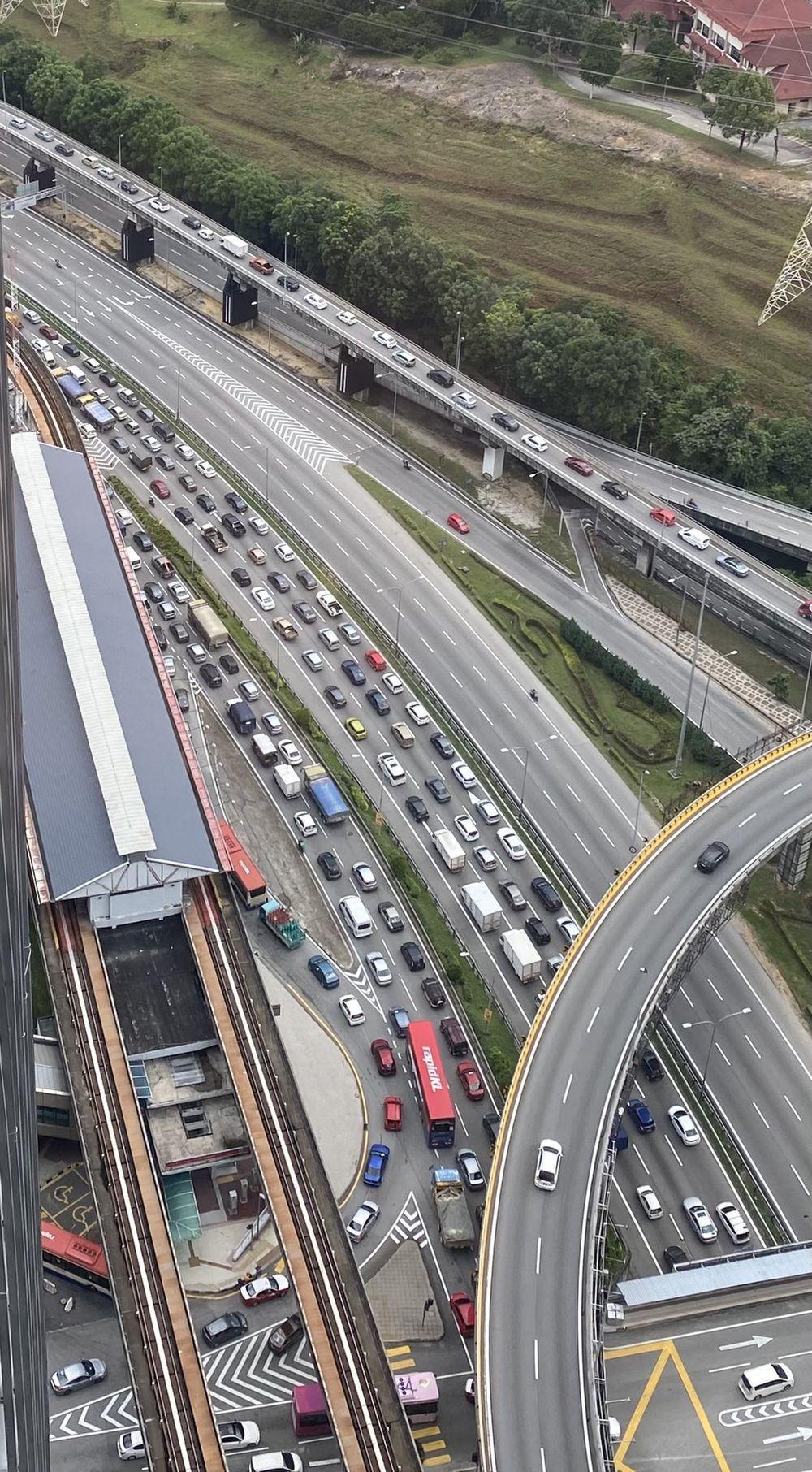 Traffic jam Federal Highway May 2021
