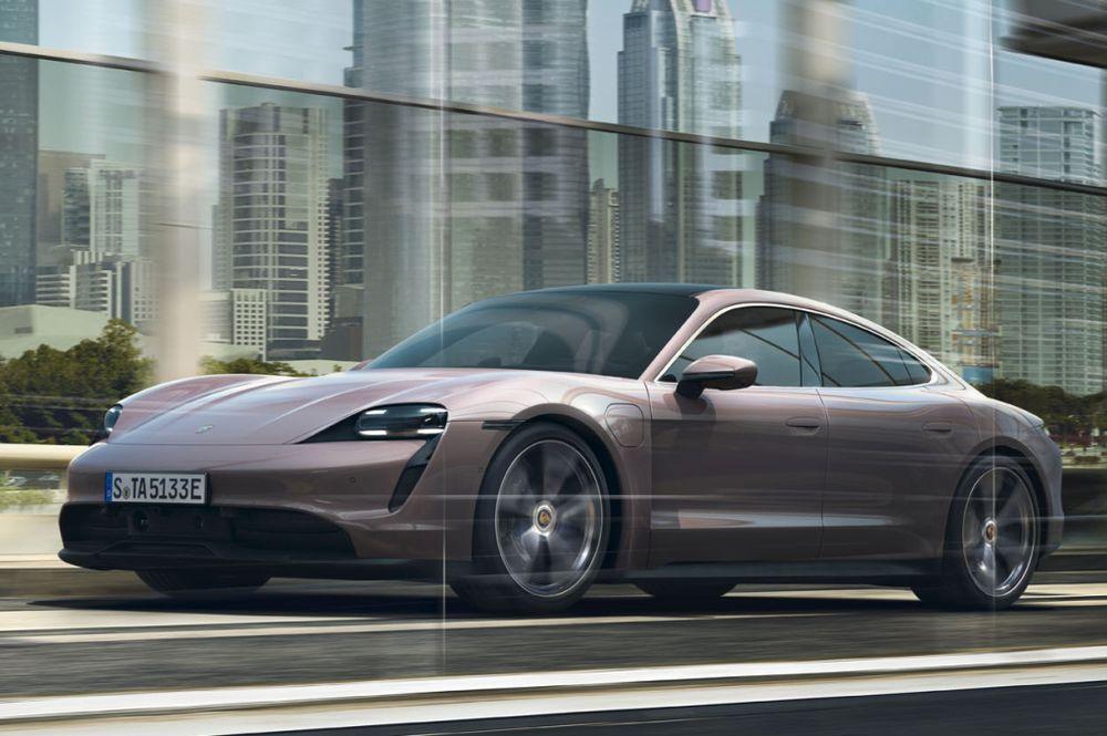 Porsche Taycan driving dynamics