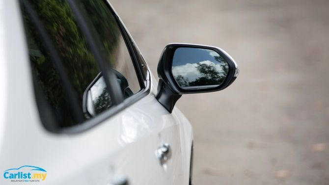 An Evergreen Experience Review 2020 Toyota Corolla 1 8 G Wing Mirror