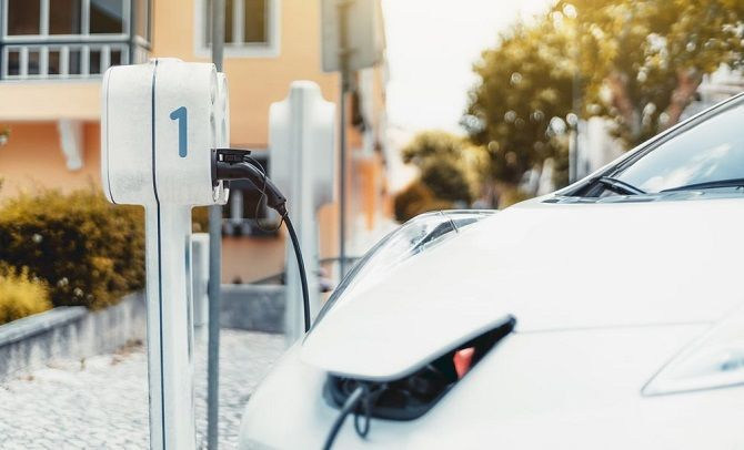 Department of Environment Makes Scrapping Abandoned Cars Easy Clean EV Charging