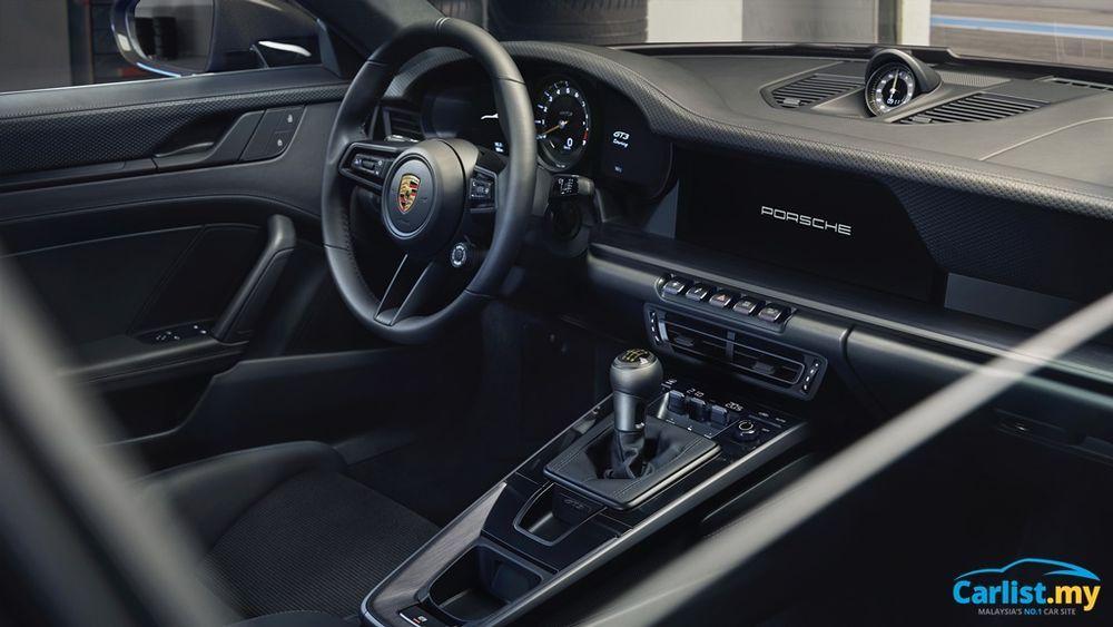2021 Porsche (992) 911 GT3 Touring interior
