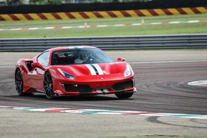 Rosso Scuderia - Ferrari 488 Pista