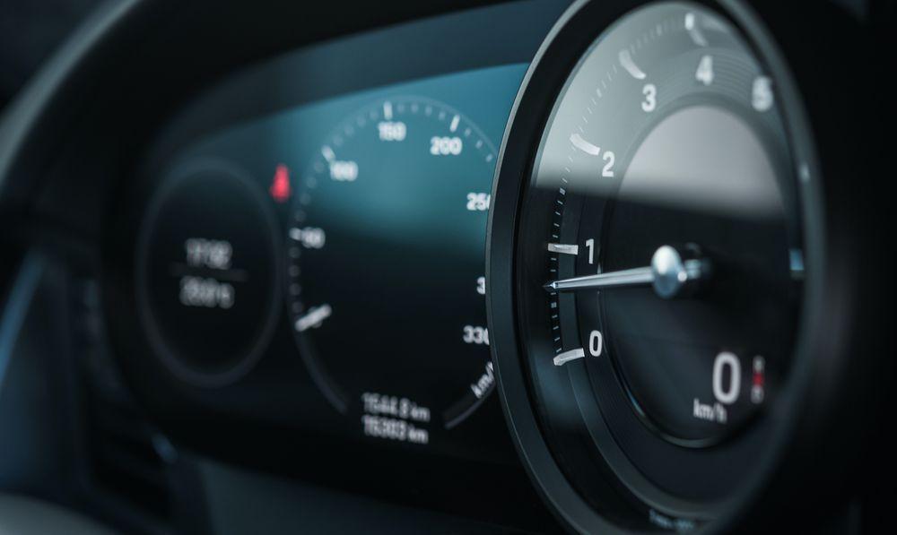 Porsche 911 - 992 - Tachometer