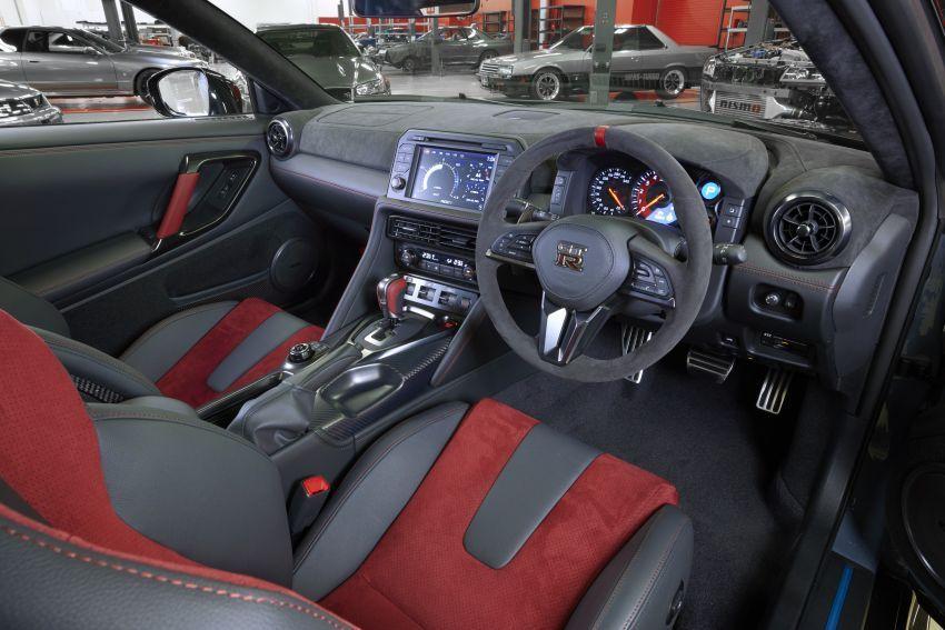 Nissan GT-R R35 NISMO Special Edition 2022,Malaysia,interior