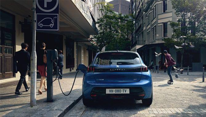 2020 Peugeot e-208 charging