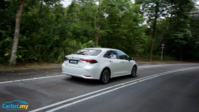 An Evergreen Experience Review 2020 Toyota Corolla 1 8 G Exterior Driving Rear Three Quarter