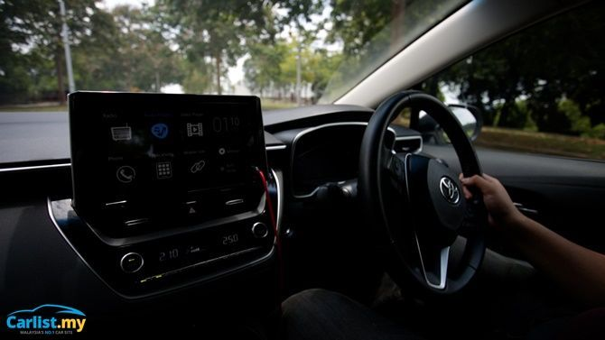 An Evergreen Experience Review 2020 Toyota Corolla 1 8 G Interior Driving