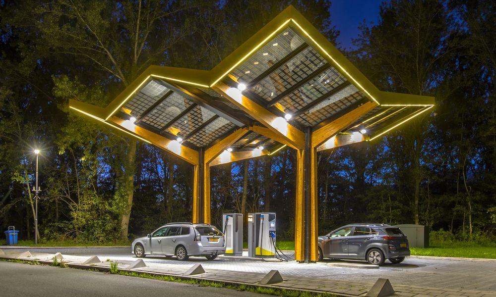 Solar Hydrogen Charging Station Concept