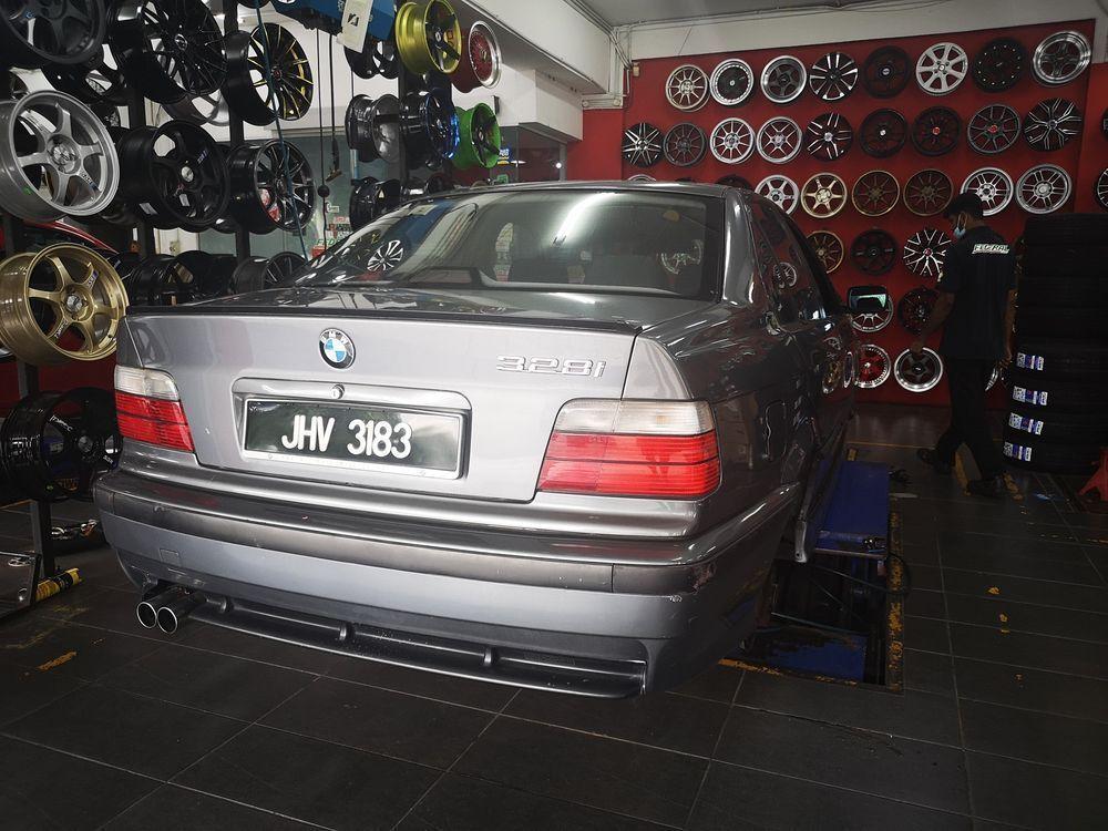 BMW 328i,bengkel kereta,alignment tayar,pkp penuh
