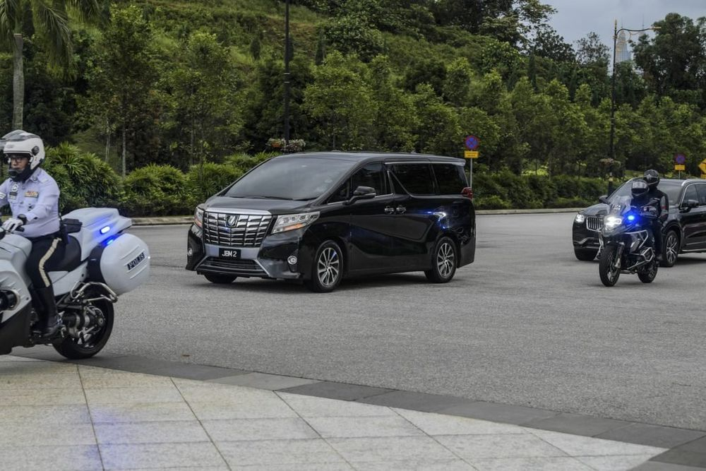 toyota alphard,kereta rasmi perdana menteri,Muhyidin yassin