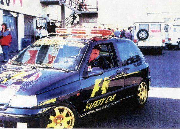 Renault Clio safety car