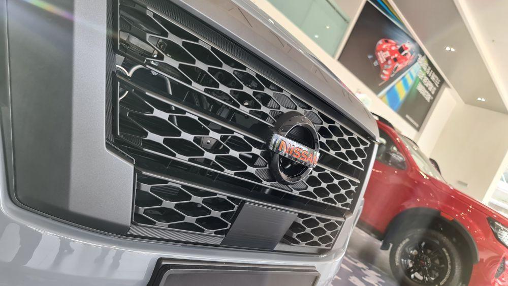 Nissan Navara Pro-4X Interlock grille