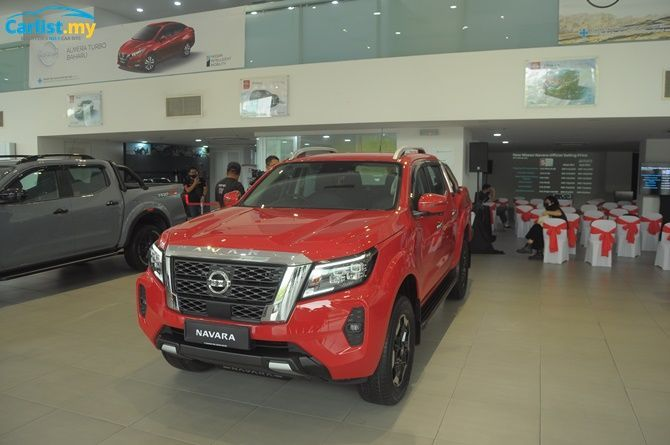 2021 Nissan Navara Launched Six Variants From RM 91900 VL Front Three Quarter