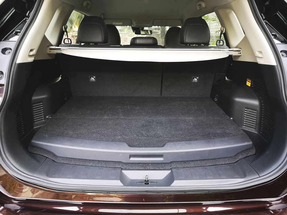 Nissan X-Trail Hybrid 2.0 Boot Space
