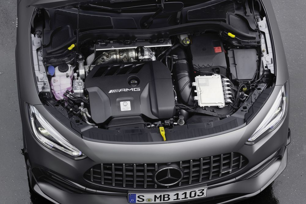 Mercedes-AMG GLA 45 engine