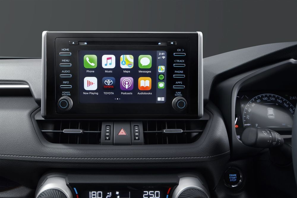 Review: Can These 5 Things Justify the Toyota RAV4's Price Tag? RAV4 infotainment