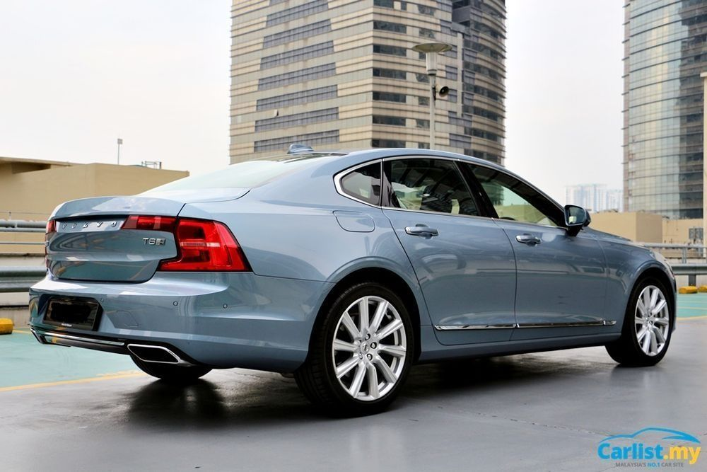 Volvo S90 T8 Inscription Plus Rear