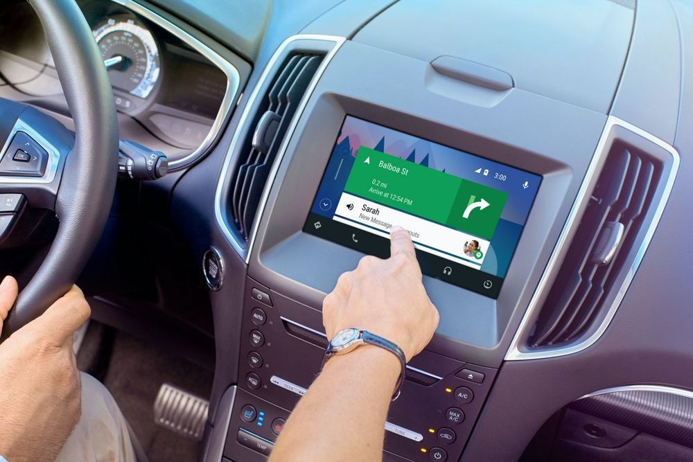 Smartphones vs Infotainment Systems