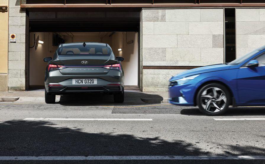 2021 Hyundai Elantra rear