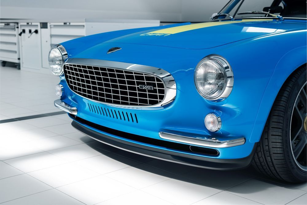volvo p1800 cyan headlight