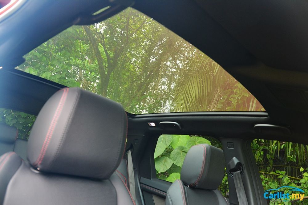 2020 Land Rover Discovery Sport 2.0L R Dynamic panoramic roof