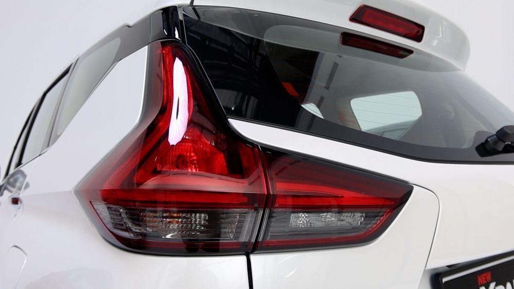2020 Mitsubishi XPANDER lights rear
