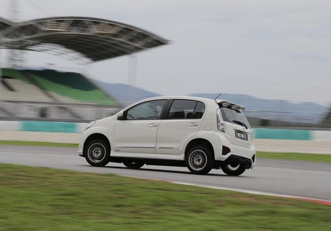 The Best All-Weather Tyres You Can Buy Here Myvi Sepang Michelin Pilot Sport 3