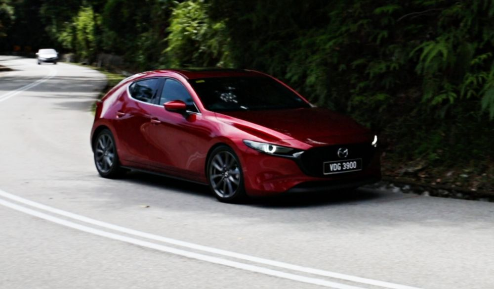 2020 Mazda 3 Liftback - Driving