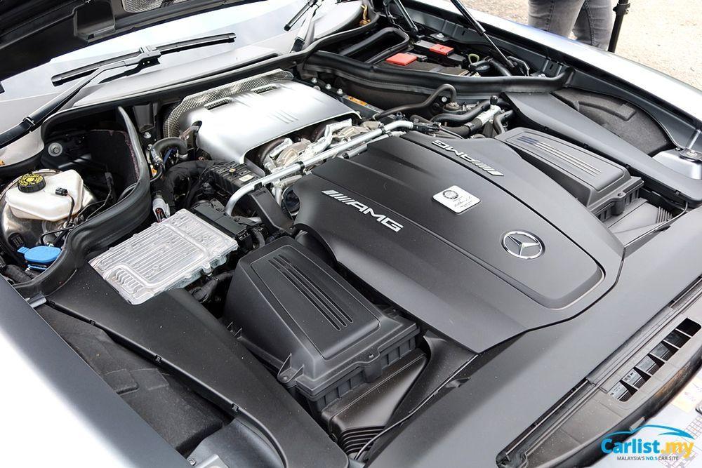 (C190) Mercedes-AMG GTR 4.0-litre Bi-turbo Engine