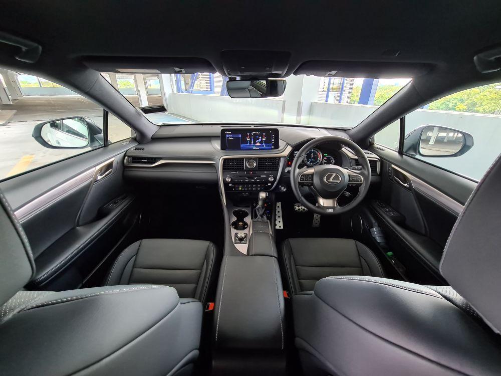 LEXUS RX300 interior
