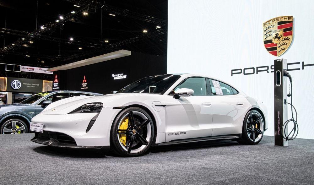 BIMS - 2 - Porsche Taycan