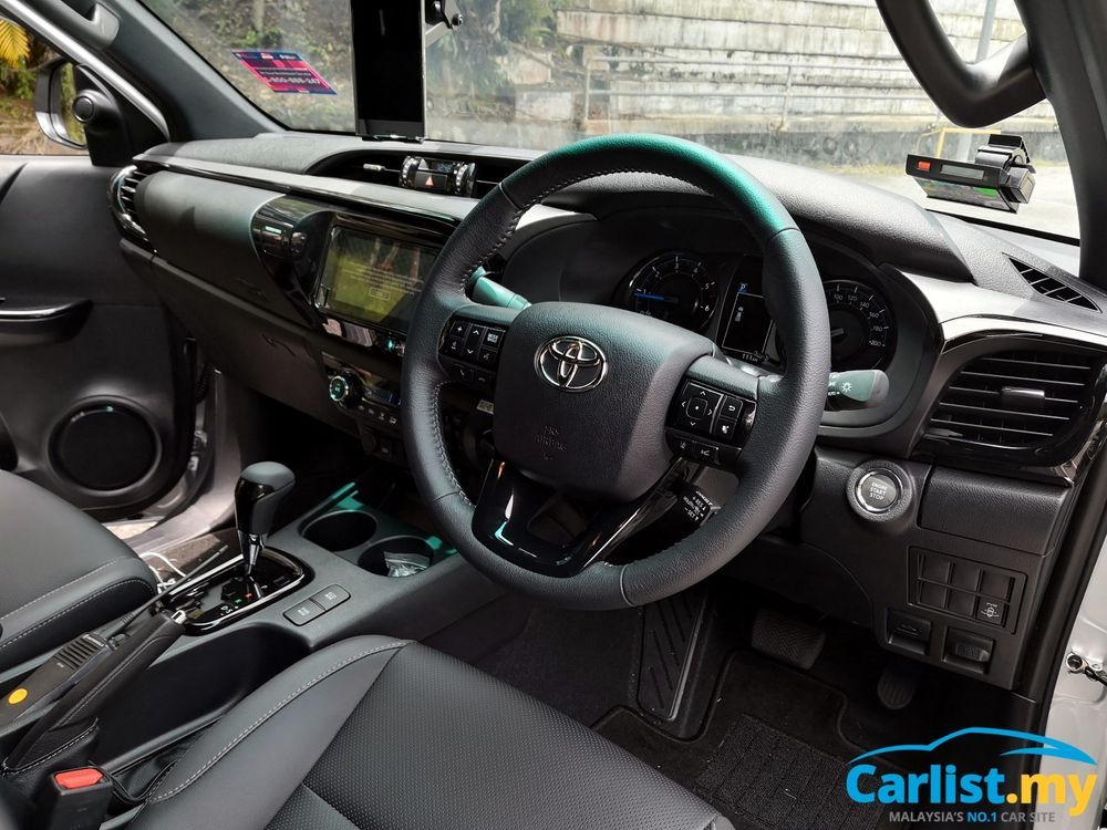 toyota hilux rogue interior