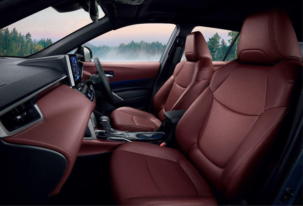 Proton X70 VS Toyota Corolla Cross Interior