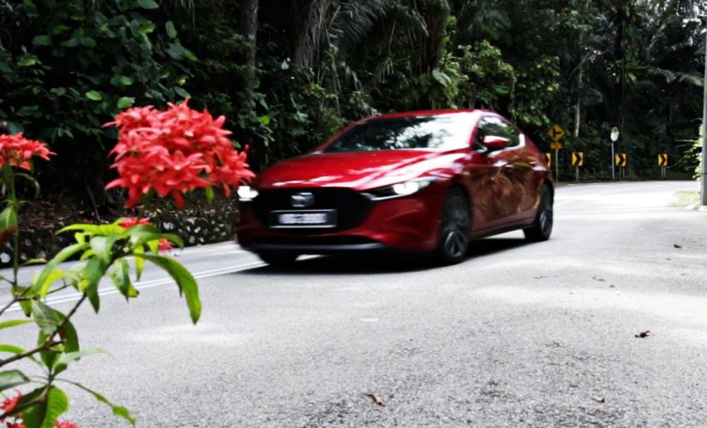 2020 Mazda 3 Liftback - Drive By