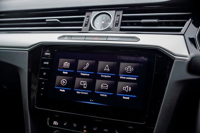First Drive Volkswagen Arteon R Line Head Unit
