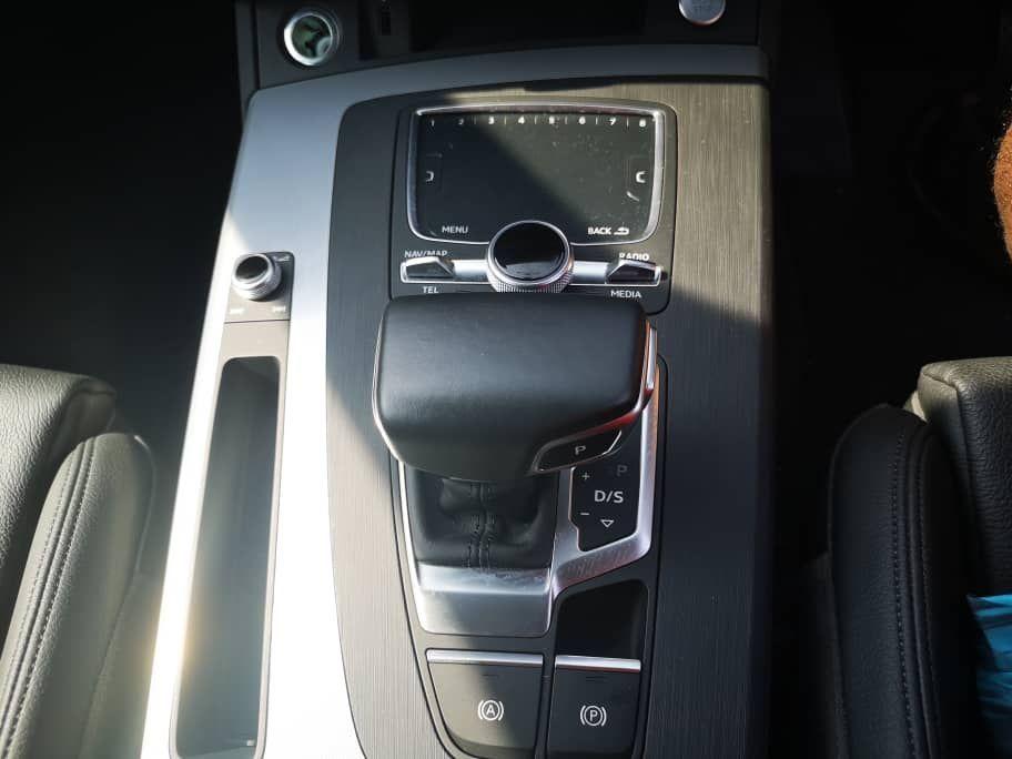 Audi A5 2.0 Gear Shifter